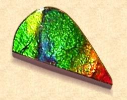 fotka z ukázkou barev ammolitu