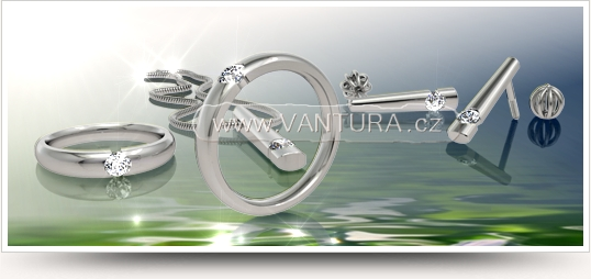 foto prstenu s diamantem a dalšími šperky do soupravy