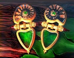 foto náušnic s motivem ammonitů