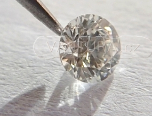 Přírodní diamant a Briliantový brus