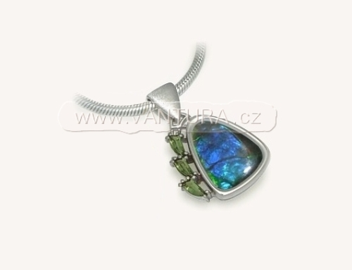 Originální šperk s vltavíny